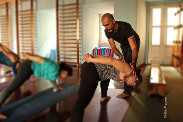 Masterclass de yoga técnico ensina a prevenir lesões. Foto por Mário Fragoso