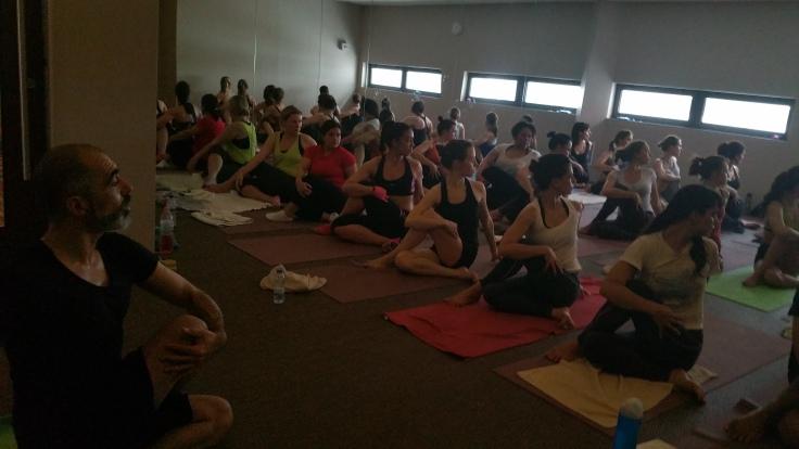 Yoga com Jean Pierre de Oliveira